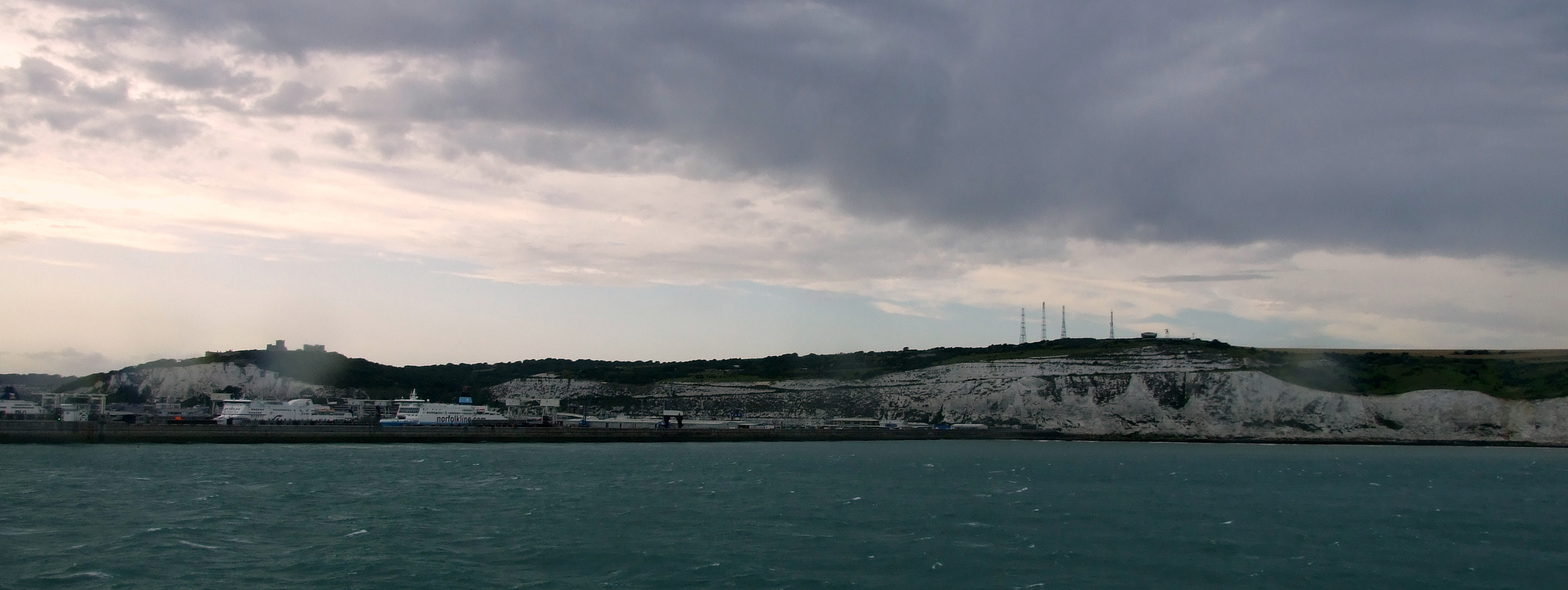 Dark-Clouds-over-Dover-Harb