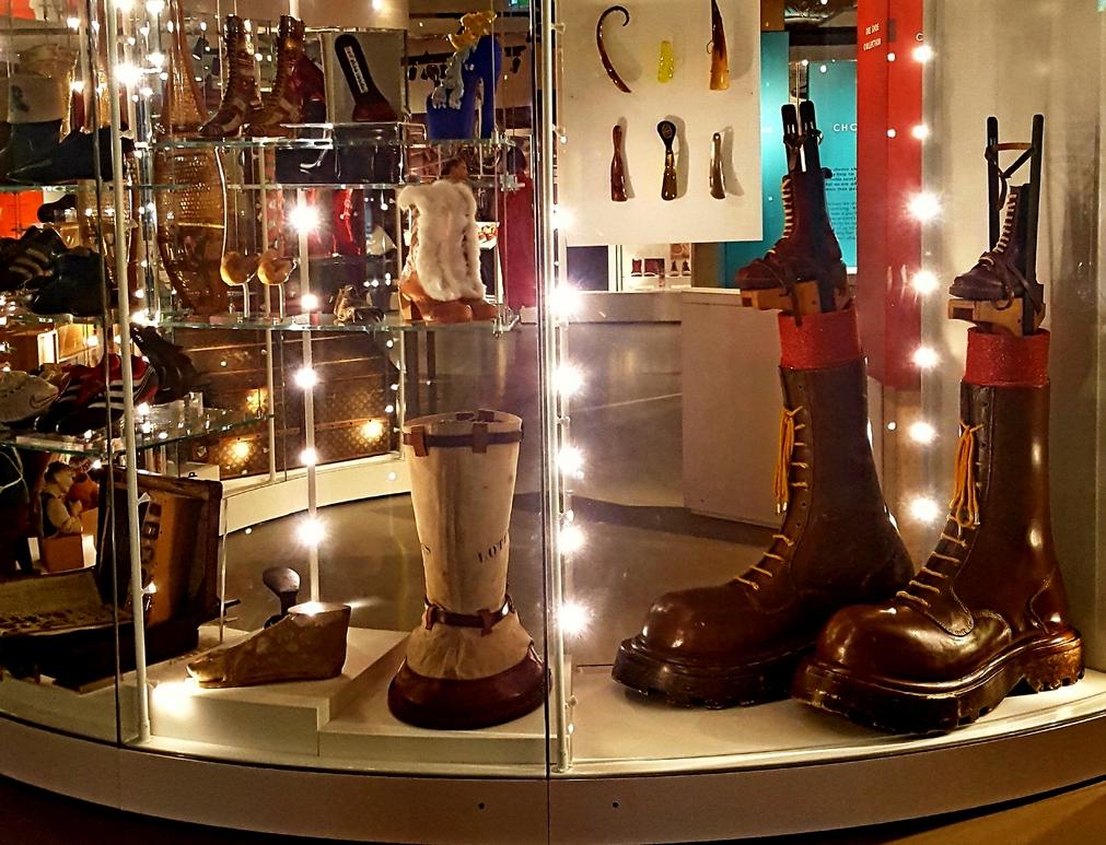 Big Boots Web Crop copyright Mike Ingram